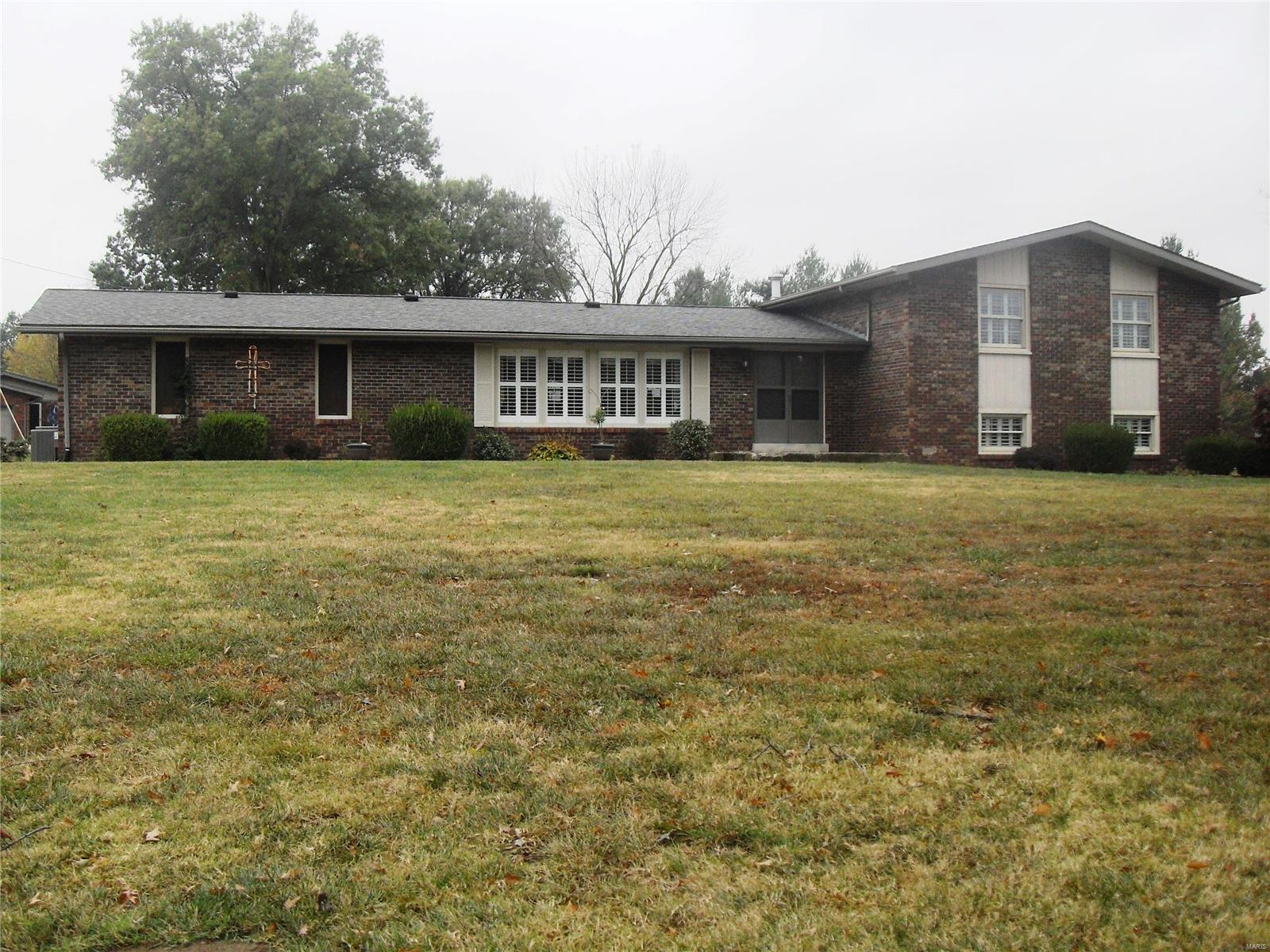 13774 Saint Rose Road Property Photo - Highland, IL real estate listing