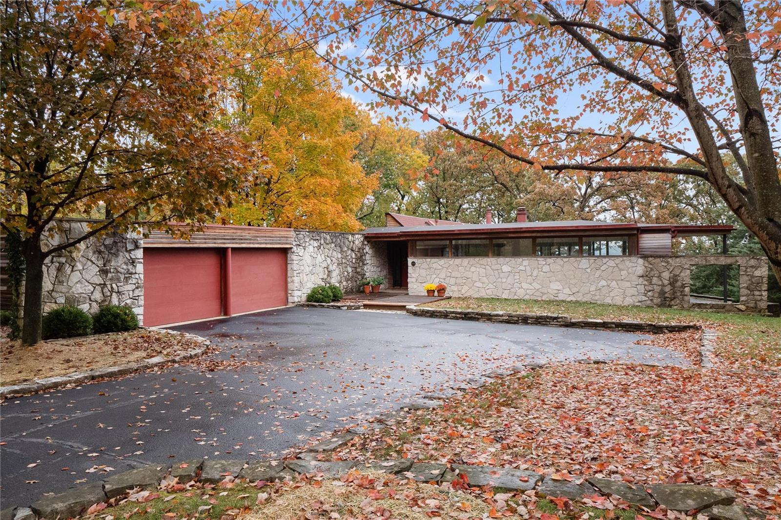 6682 Clifton Bluffs Property Photo - St Louis, MO real estate listing