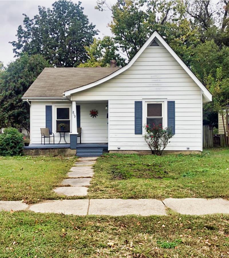 217 Sikes Avenue Property Photo - Sikeston, MO real estate listing