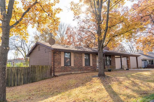614 Attucks Property Photo - Crestwood, MO real estate listing