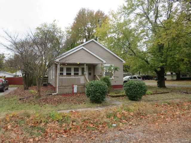410 W Easton Street Property Photo - Gillespie, IL real estate listing