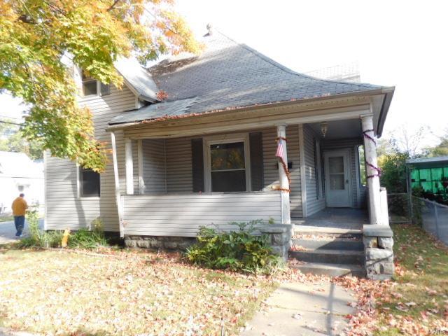 620 E Noleman Street Property Photo - Centralia, IL real estate listing