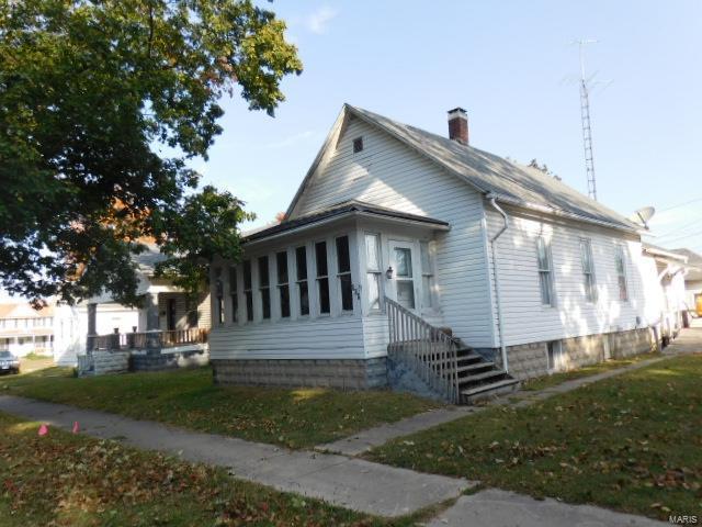 608 E Noleman Street Property Photo - Centralia, IL real estate listing