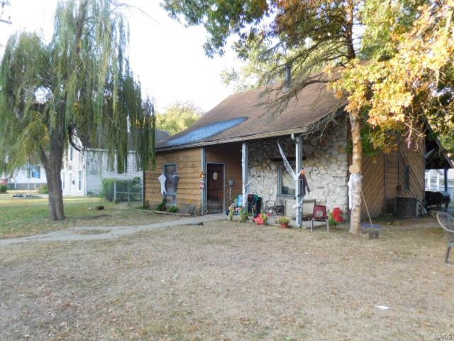 500 S Perrine Avenue Property Photo - Centralia, IL real estate listing