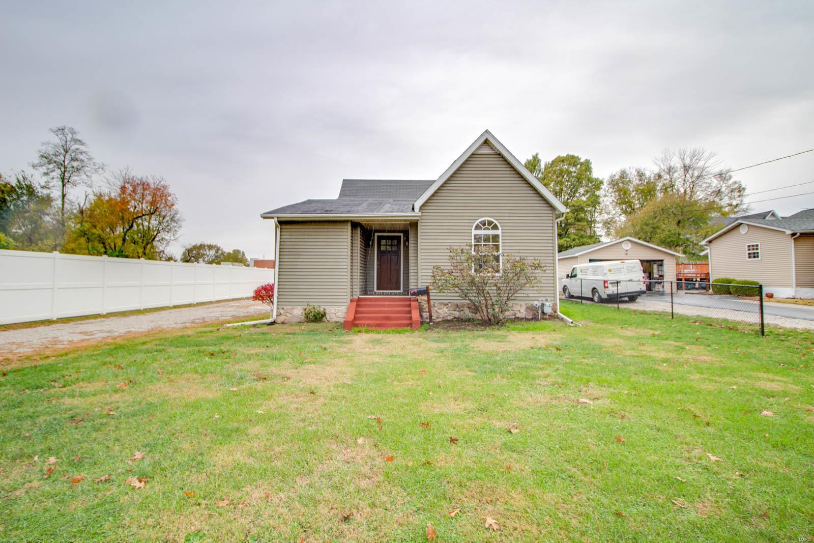 411 N Union Street Property Photo - Staunton, IL real estate listing