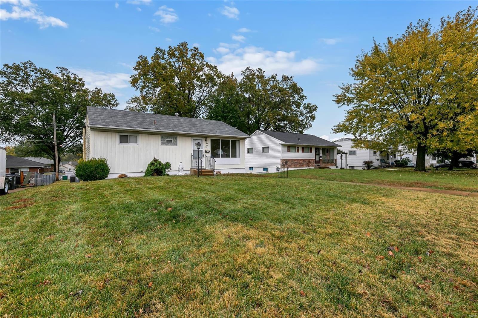 4615 Heege Road Property Photo - St Louis, MO real estate listing