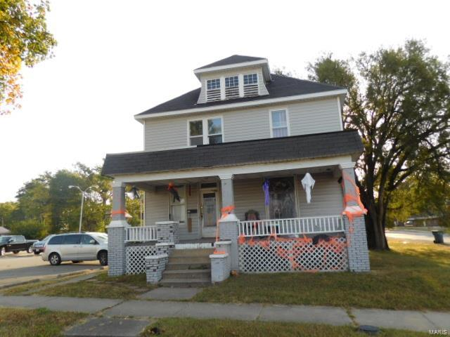 337 S Poplar Street Property Photo - Centralia, IL real estate listing