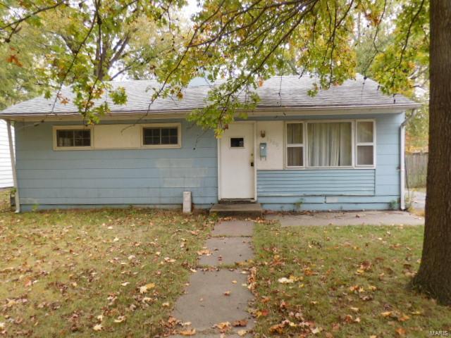 1309 Dean Street Property Photo - Centralia, IL real estate listing