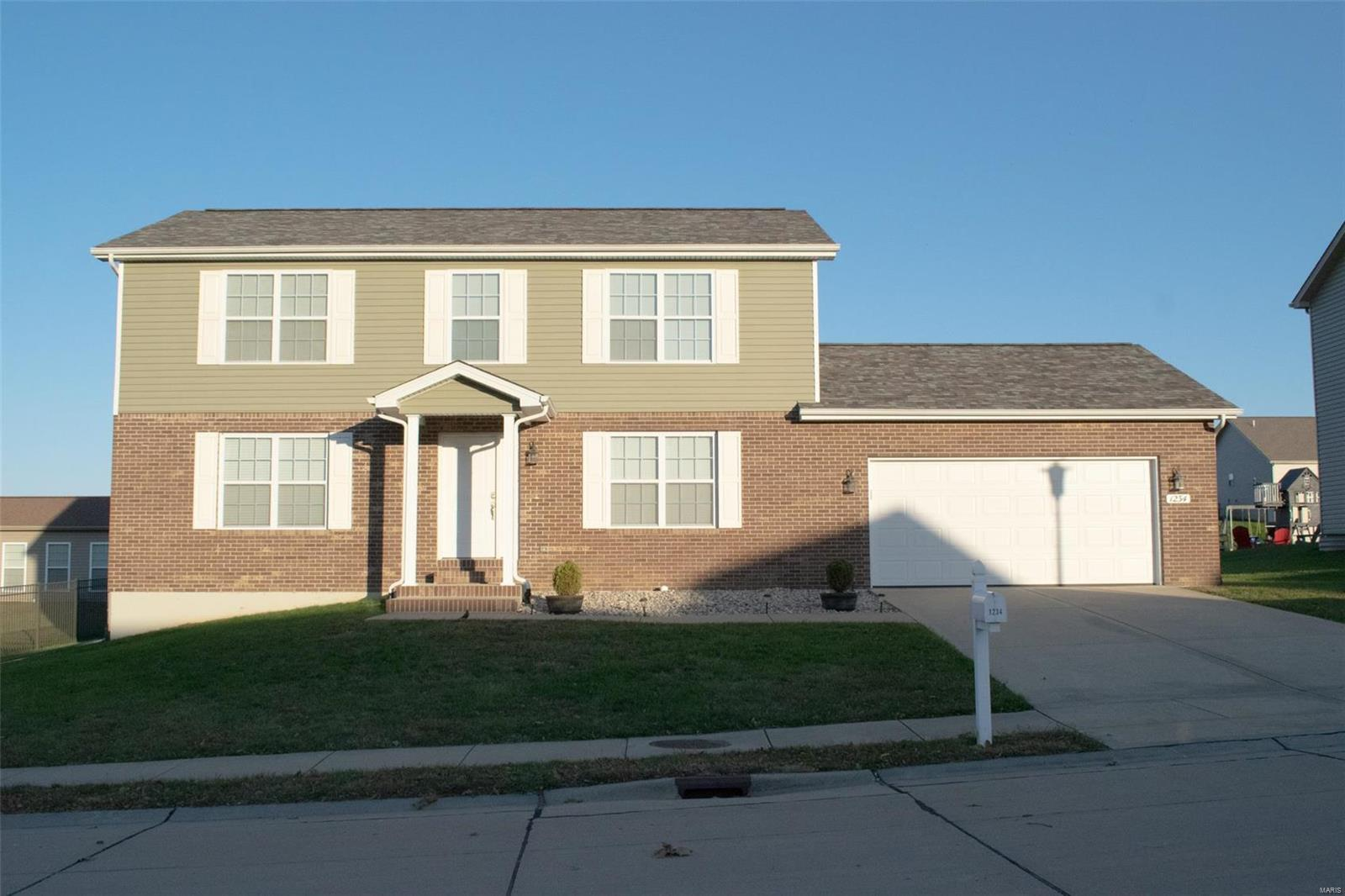 1234 Castle Green Drive Property Photo - Waterloo, IL real estate listing