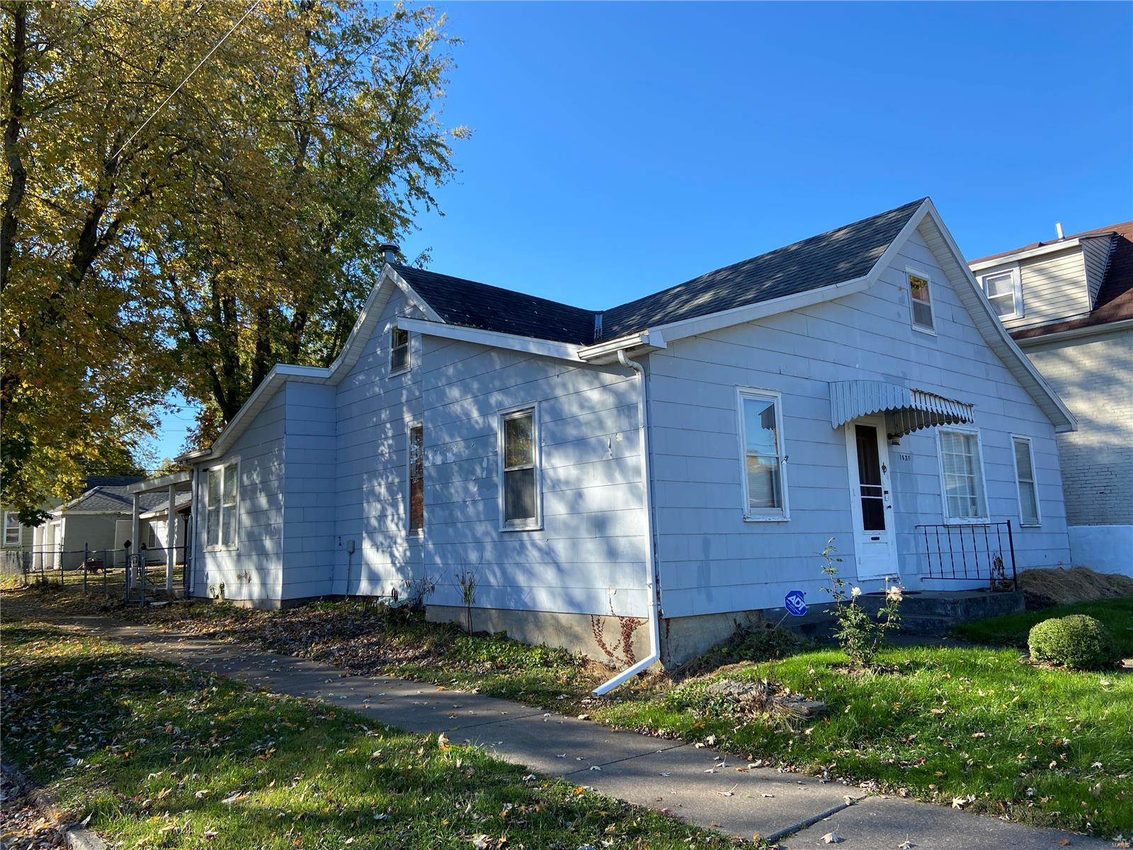1438 Elm Street Property Photo - Quincy, IL real estate listing