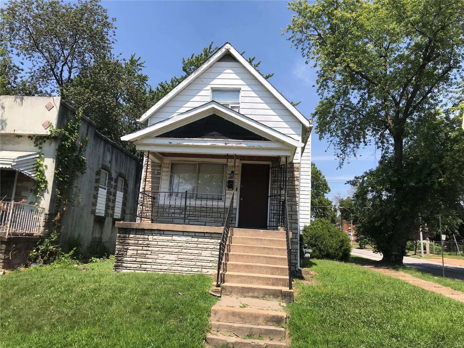 5477 Gilmore Avenue Property Photo - St Louis, MO real estate listing