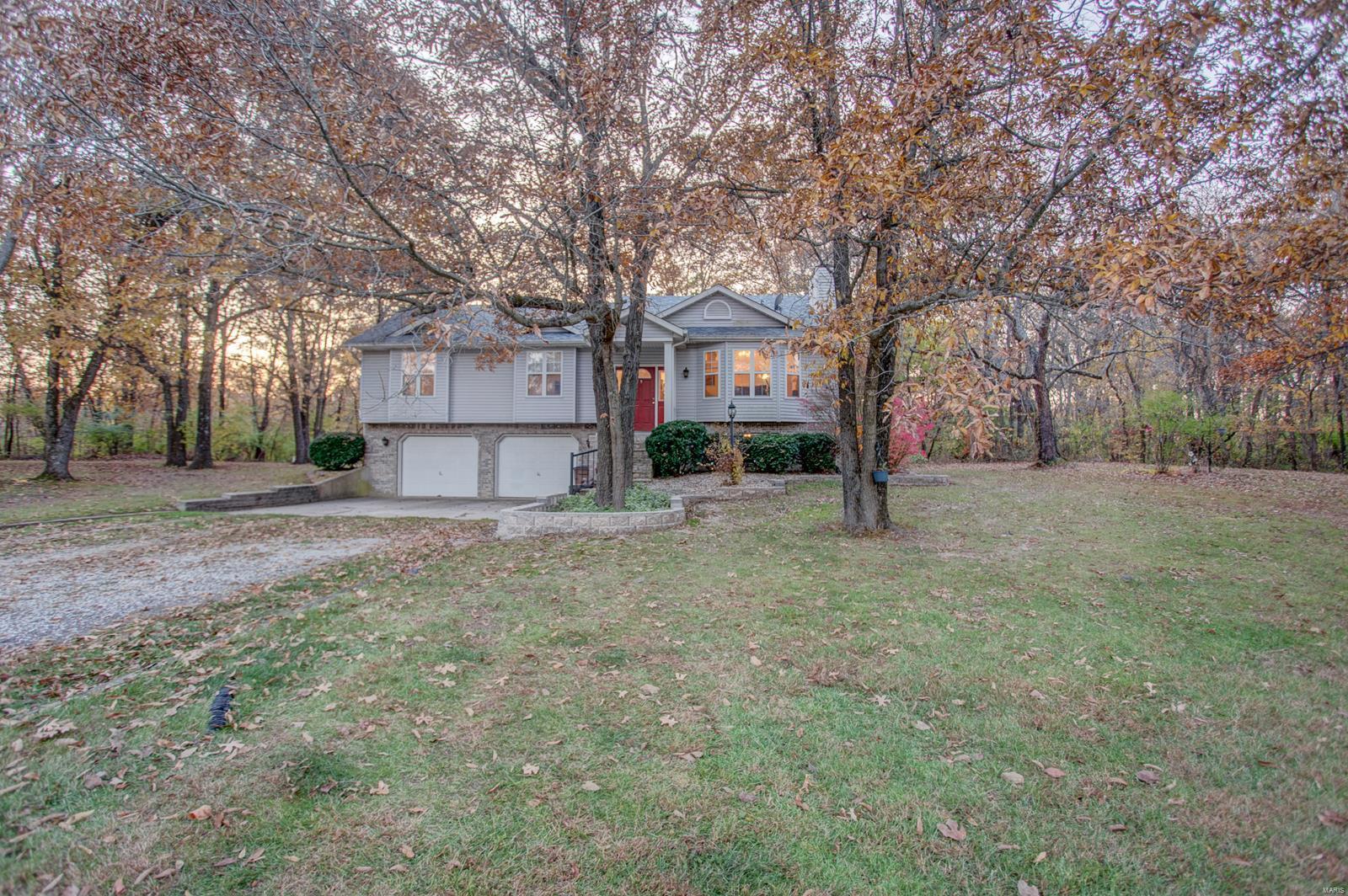 163 Deer Run Estates Lane Property Photo - New Douglas, IL real estate listing