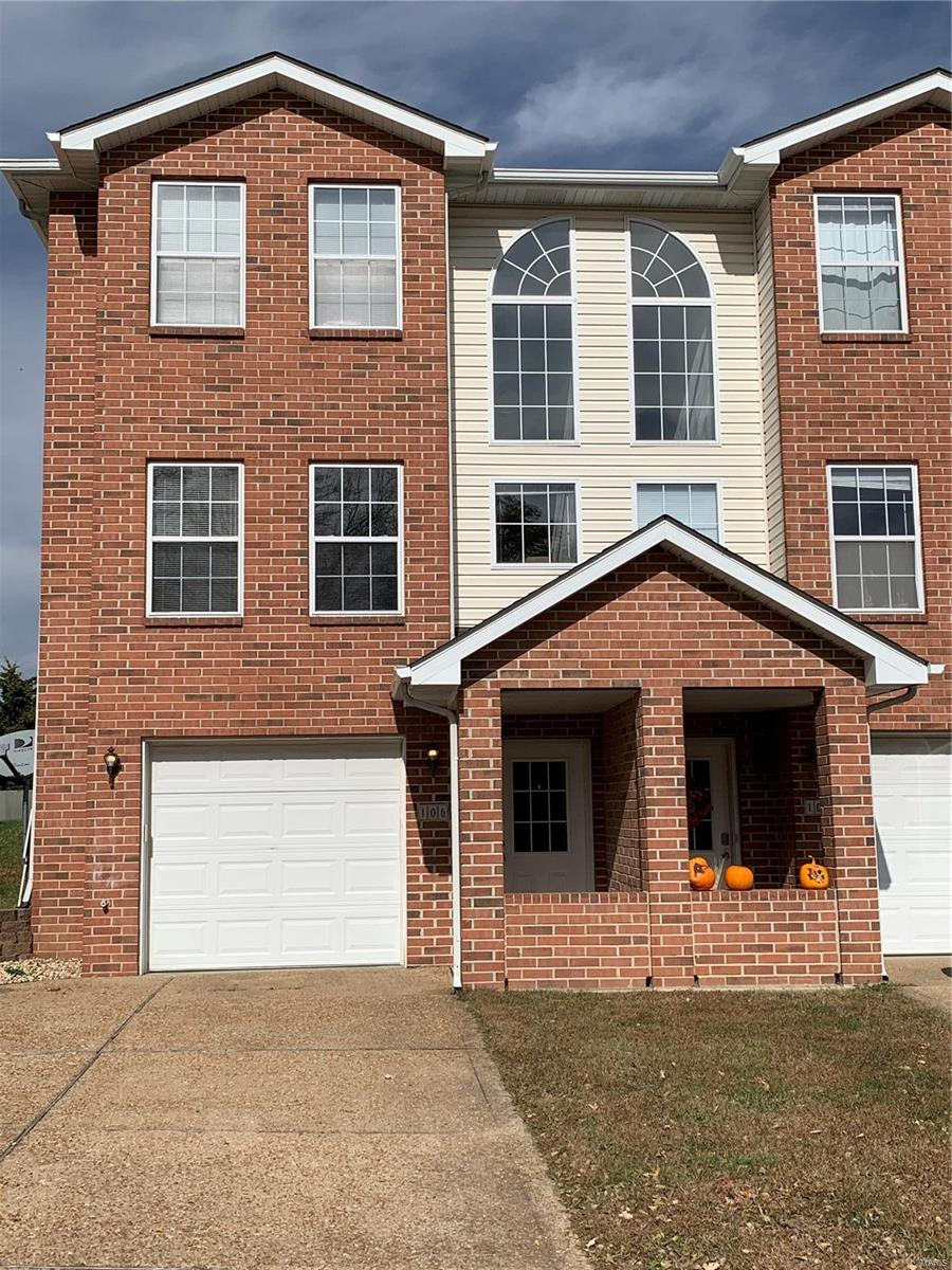 106 Empson Drive Property Photo - Valmeyer, IL real estate listing