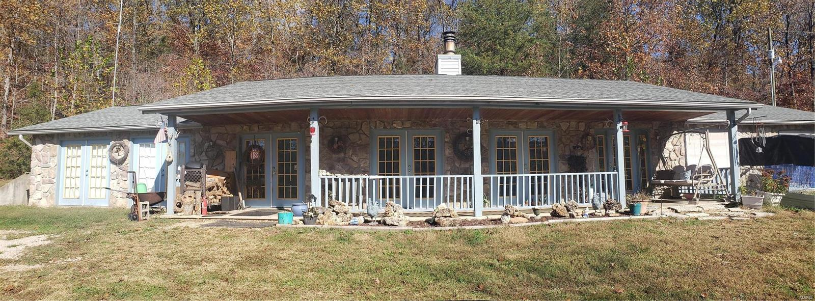 920 Possum Hollow Property Photo - Bourbon, MO real estate listing