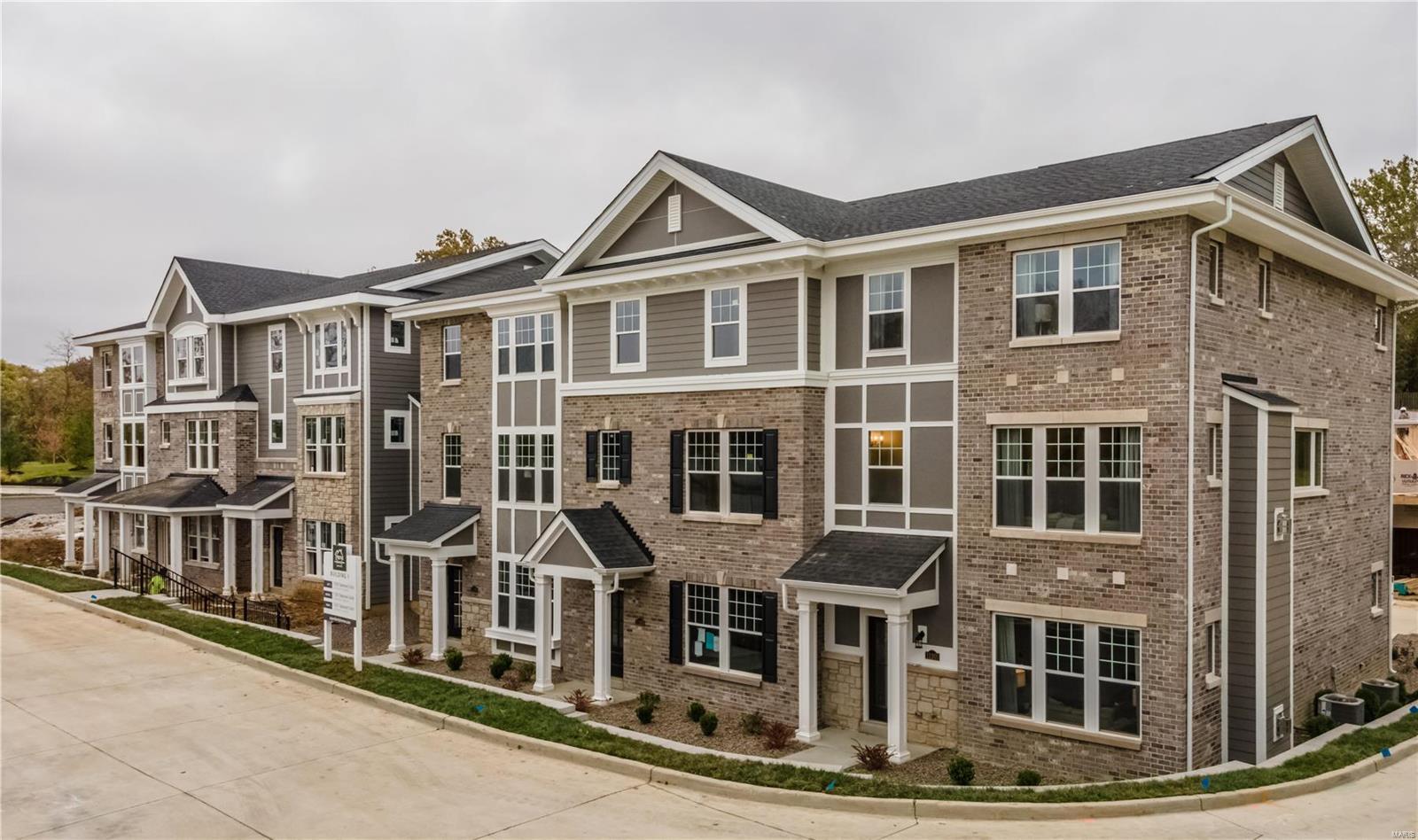11213 Talamore Circle #4 Property Photo - Frontenac, MO real estate listing
