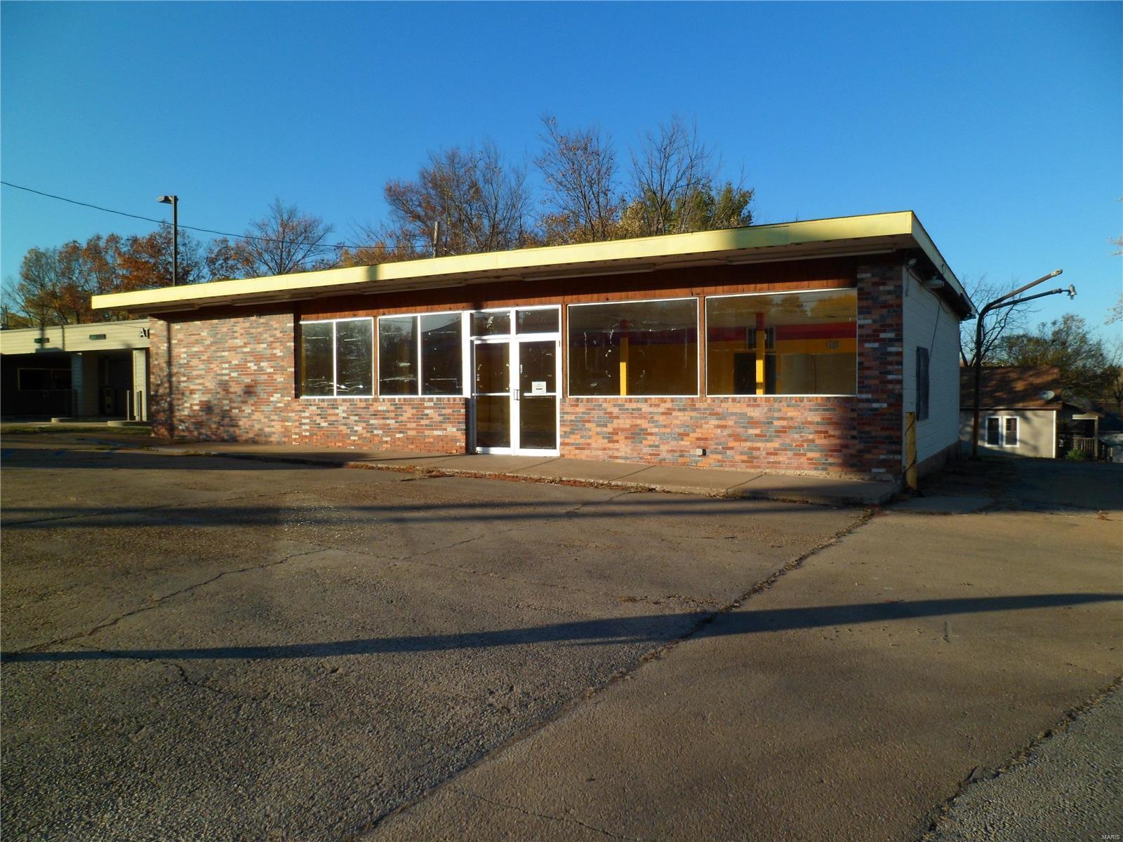 1020 E Main Property Photo
