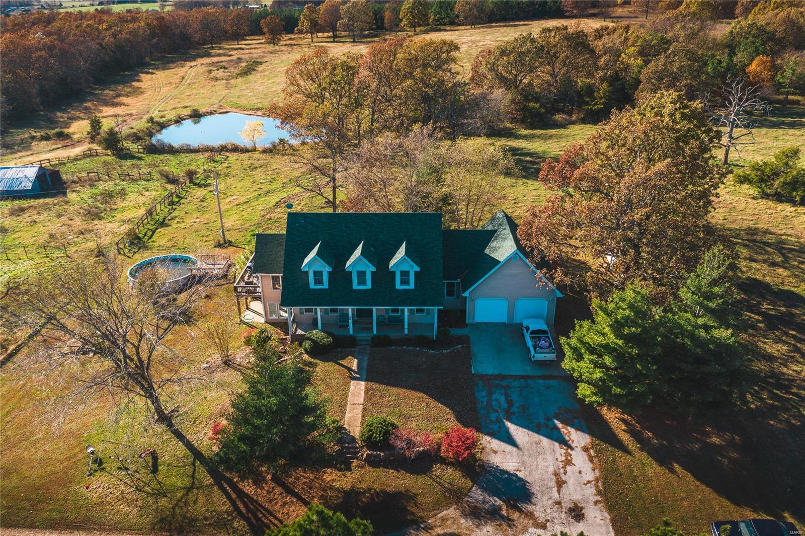 18625 Vanderveer Drive Property Photo - Houston, MO real estate listing