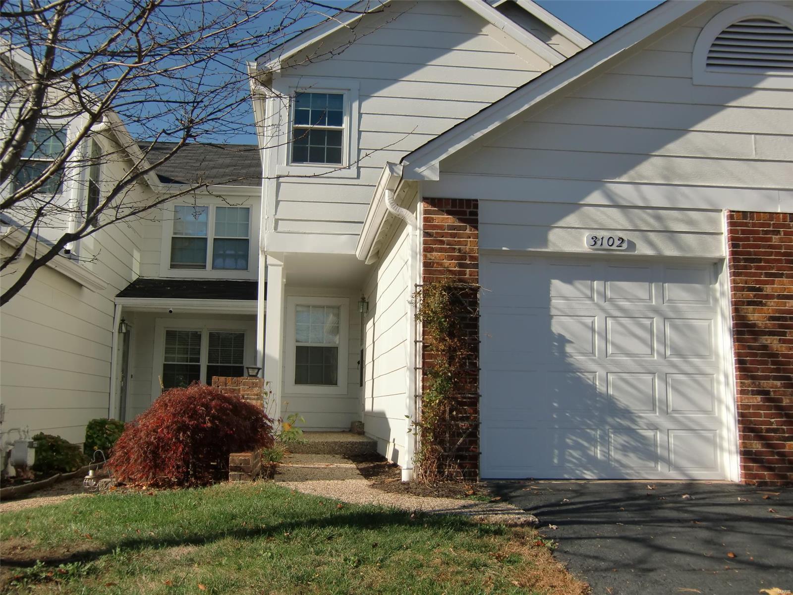 Autumn Lakes Six Condo Thirty Real Estate Listings Main Image