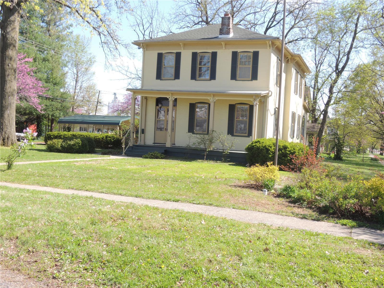 318 W Winter Avenue Property Photo - Greenville, IL real estate listing