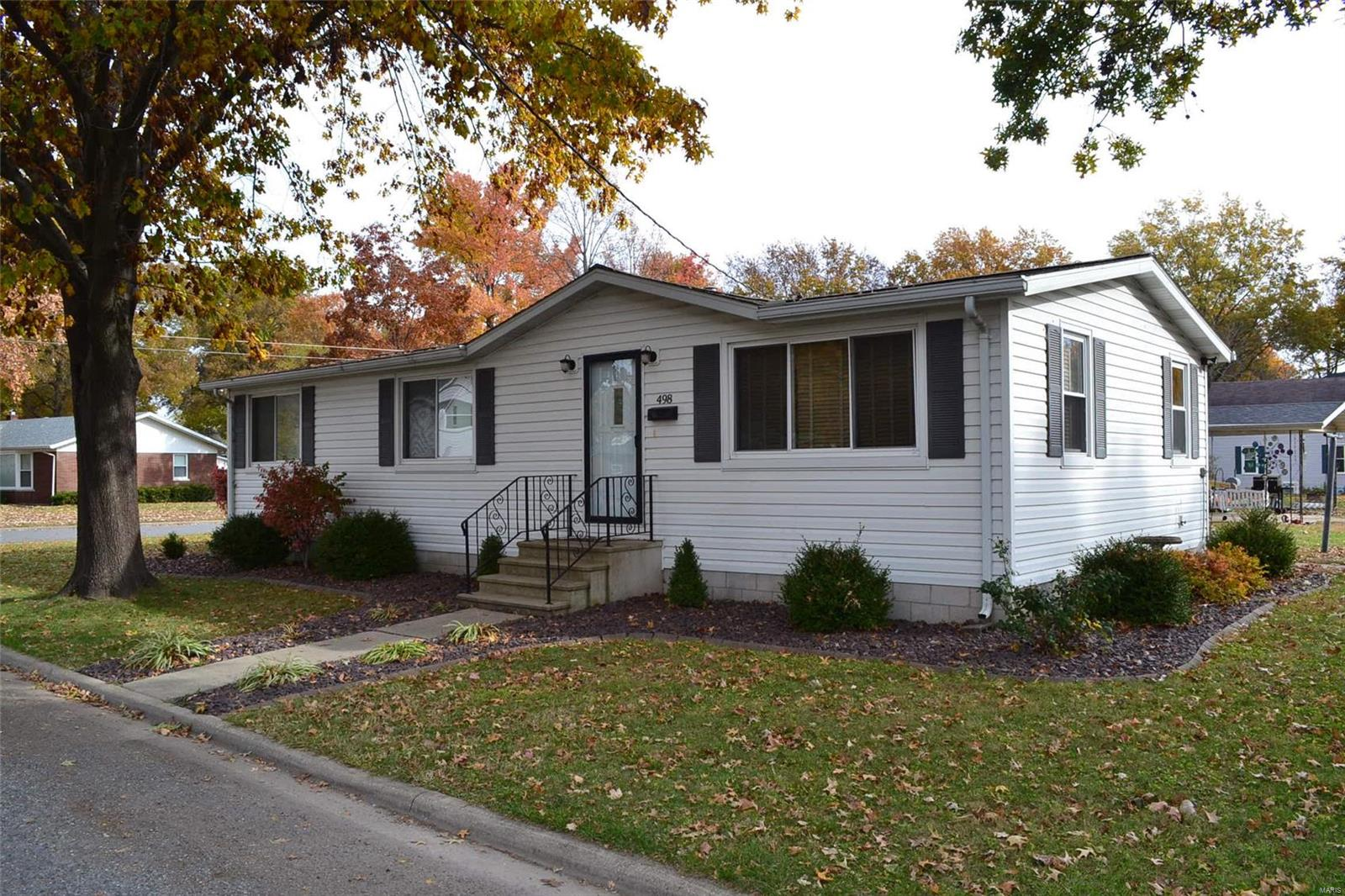 498 N Chestnut Street Property Photo - Breese, IL real estate listing