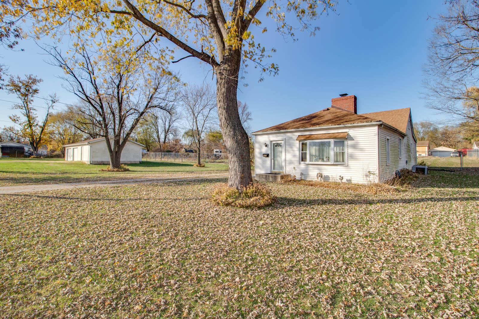 1419 Deanna Avenue Property Photo - Cottage Hills, IL real estate listing