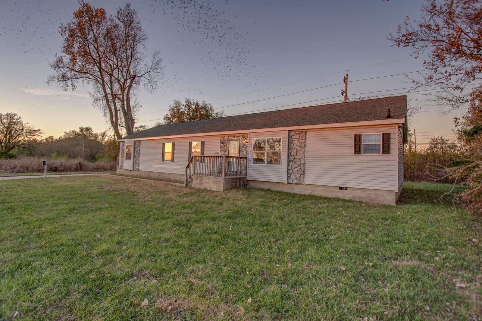 3809 Lake Drive Property Photo - East St Louis, IL real estate listing