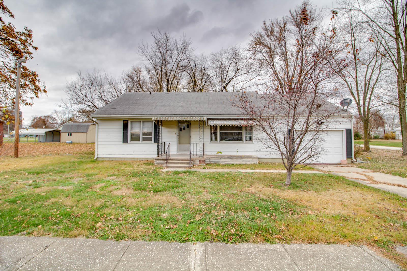 316 Keating Property Photo - Shipman, IL real estate listing
