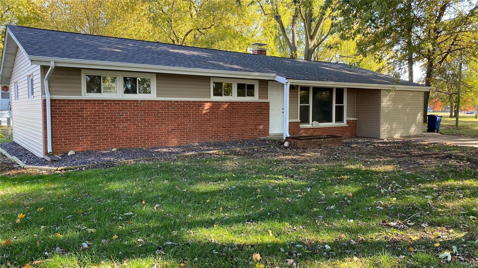 1204 Il Rt. 140 Property Photo - Greenville, IL real estate listing