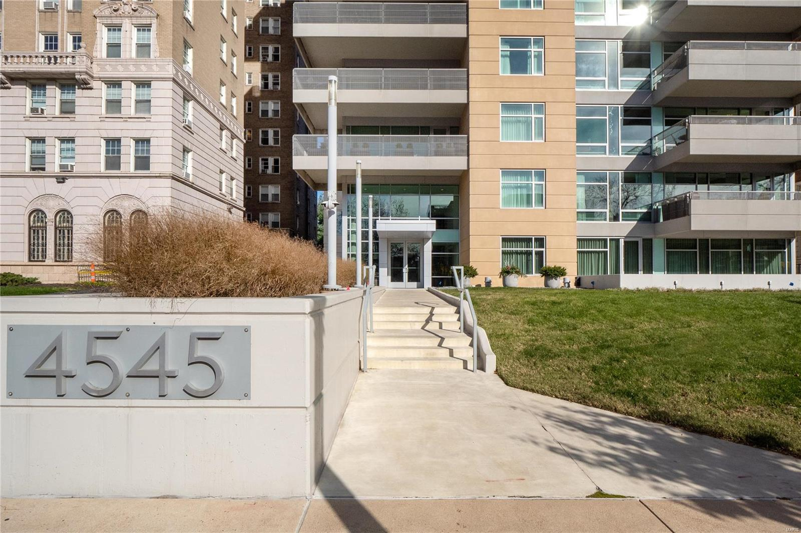 4545 Lindell Boulevard #21 Property Photo - St Louis, MO real estate listing