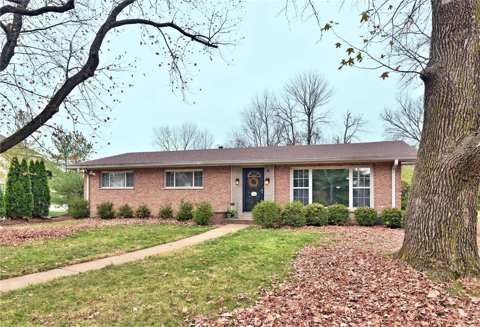 465 Beauwood Court Property Photo - St Louis, MO real estate listing