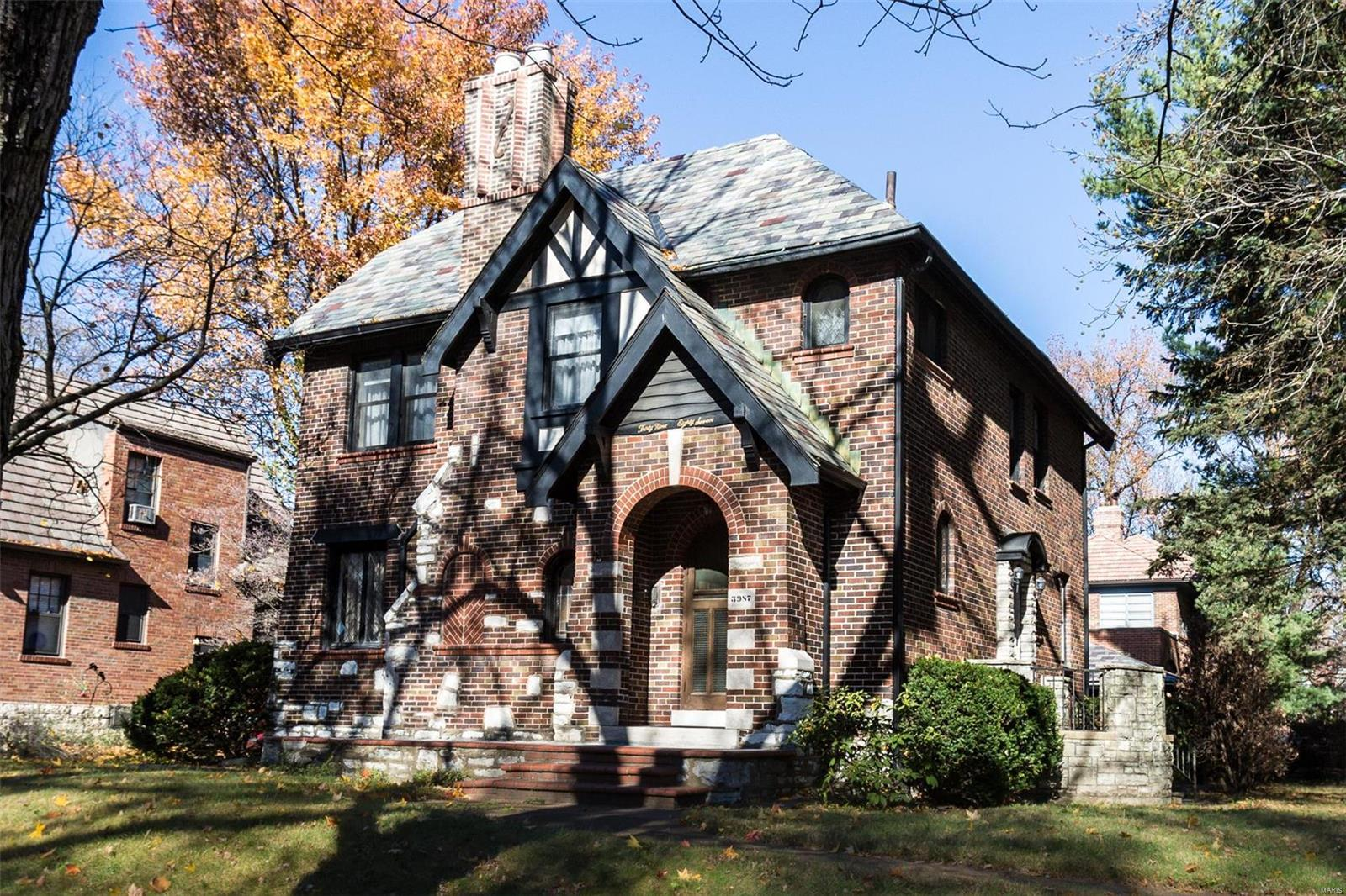 3987 Canterbury Drive Property Photo - St Louis, MO real estate listing