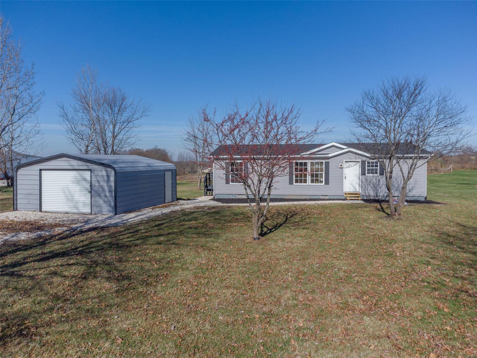 1407 Highway V Property Photo - Elsberry, MO real estate listing