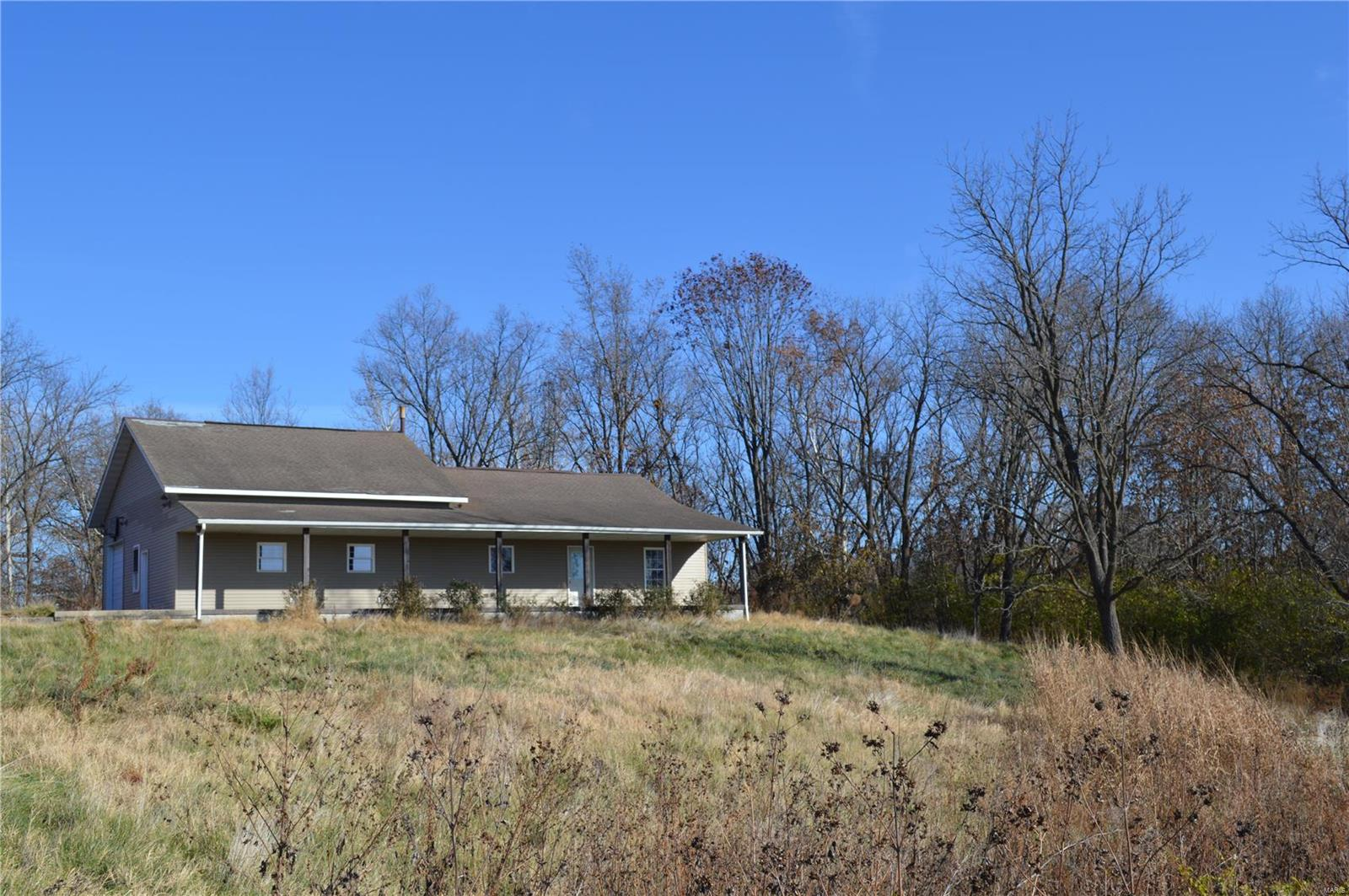 202 E CEMETERY Road Property Photo - Carrollton, IL real estate listing