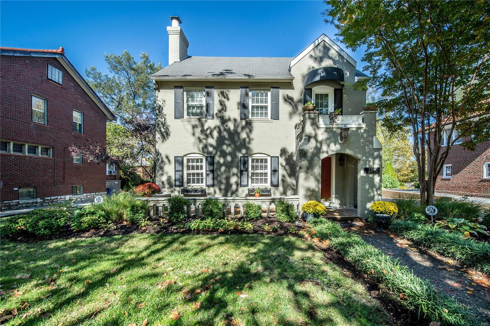 7109 Delmar Boulevard Property Photo - St Louis, MO real estate listing