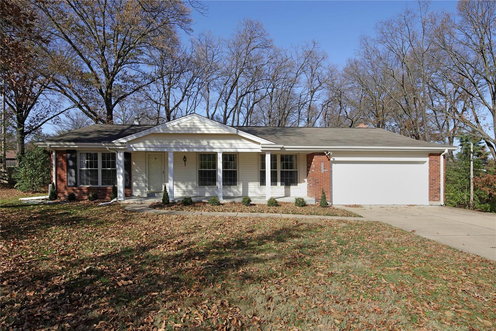 643 Bambury Way Property Photo - Kirkwood, MO real estate listing