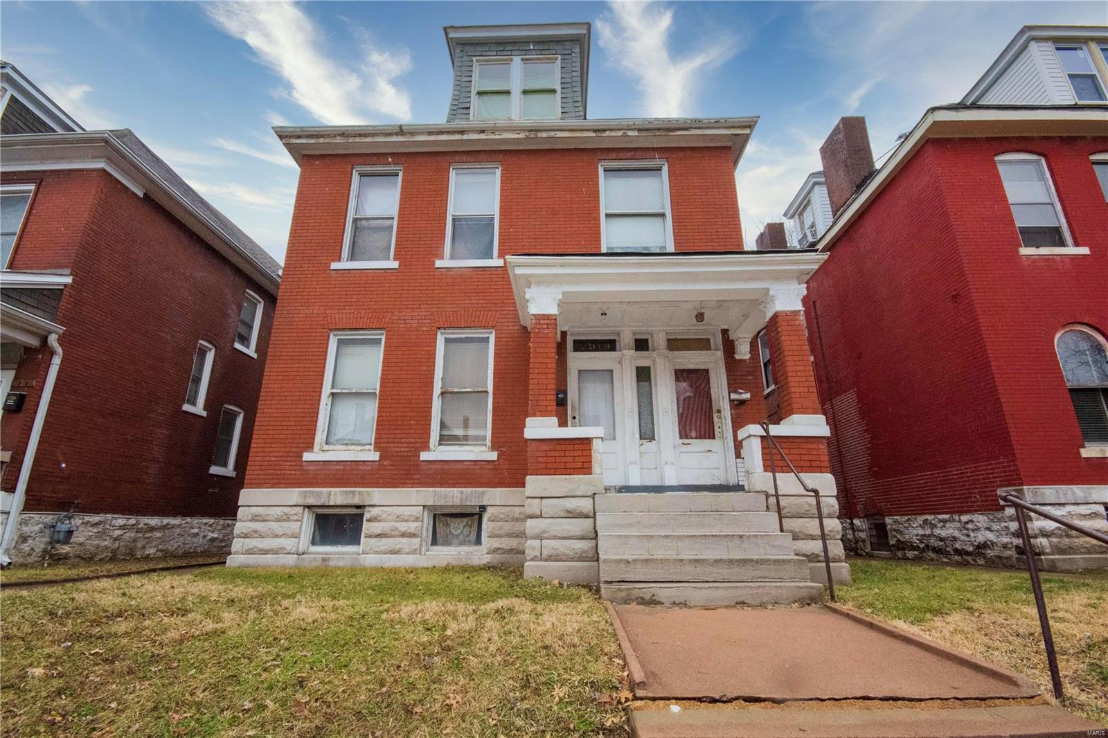 2918 Dodier Property Photo - St Louis, MO real estate listing