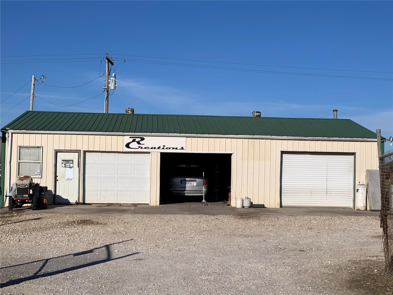 377 N Service Road E Property Photo - Wright City, MO real estate listing