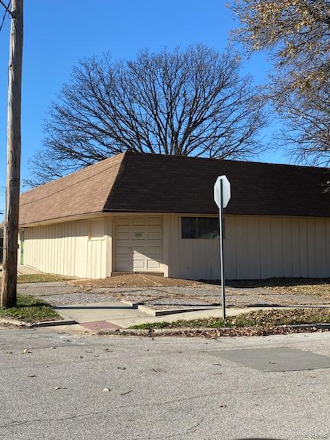 1101 Greenwood Street Property Photo - Madison, IL real estate listing