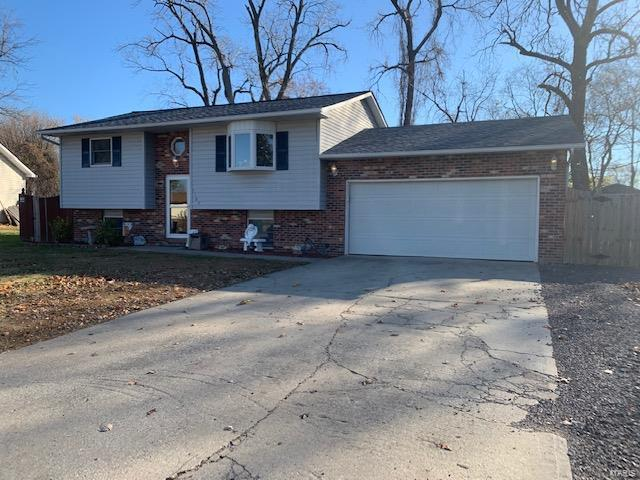 5164 Buena Property Photo - Granite City, IL real estate listing