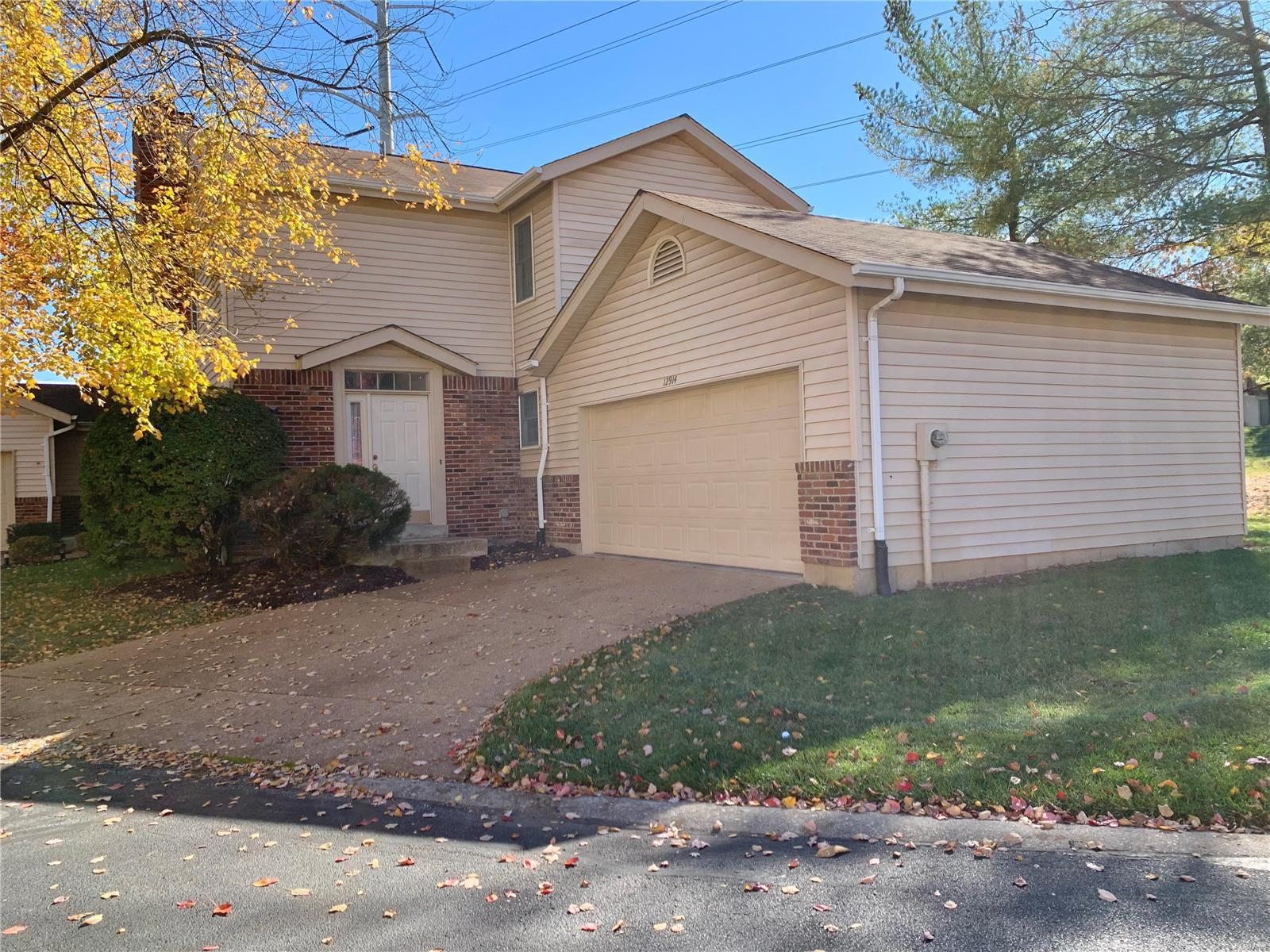 12914 Banyan Town Drive Property Photo - St Louis, MO real estate listing