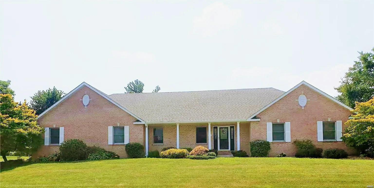 1301 Saddlewood Drive Property Photo - Maryville, IL real estate listing