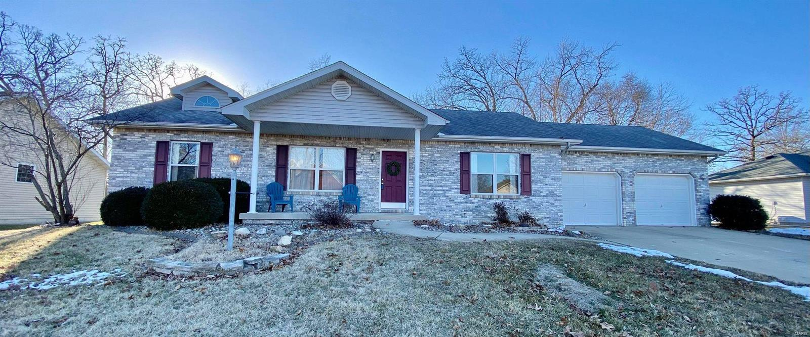 212 Lakewood Drive Property Photo - Brighton, IL real estate listing