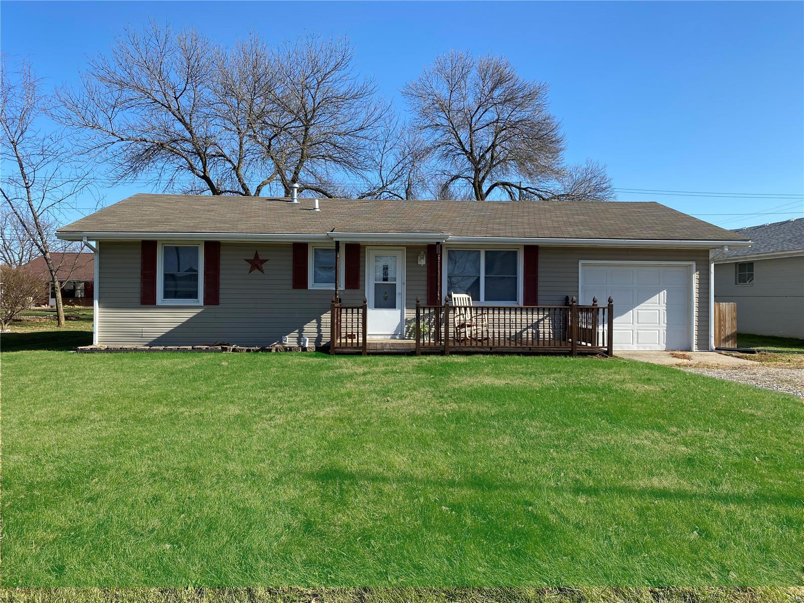 706 N Allen Property Photo - Centralia, MO real estate listing