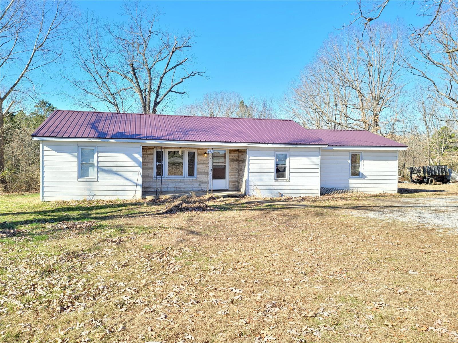 695 Oak Hill Drive Property Photo - Houston, MO real estate listing