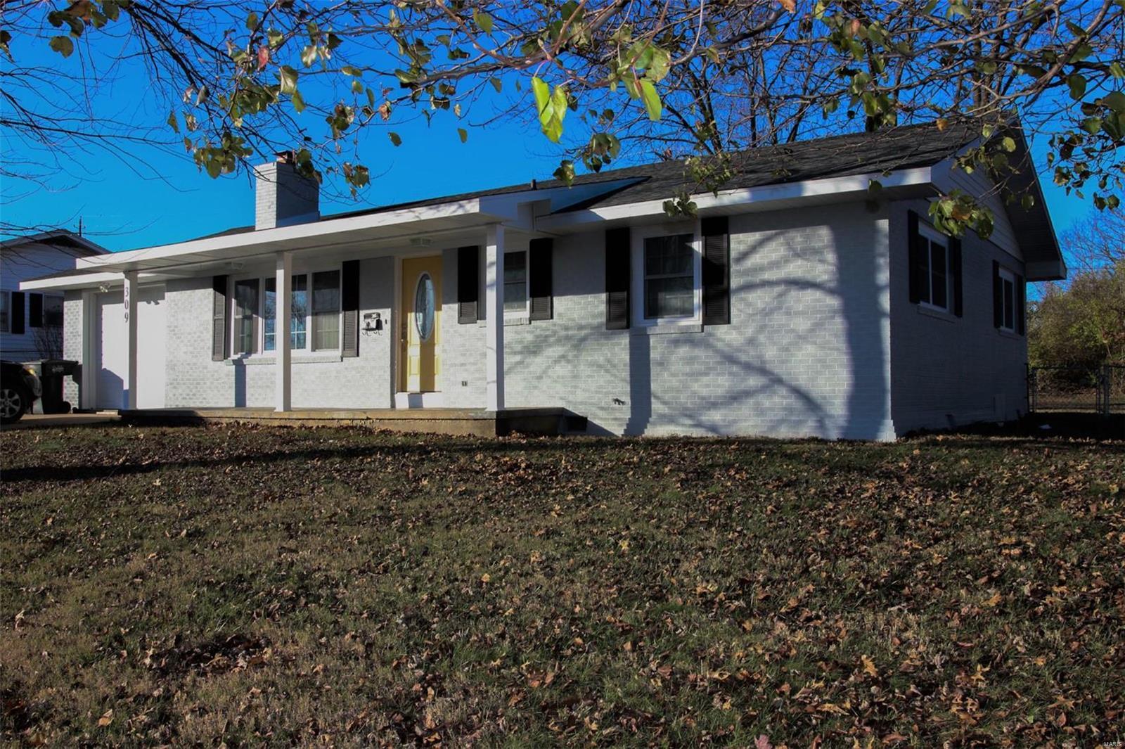 309 Meadowlark Lane Property Photo - Fulton, MO real estate listing