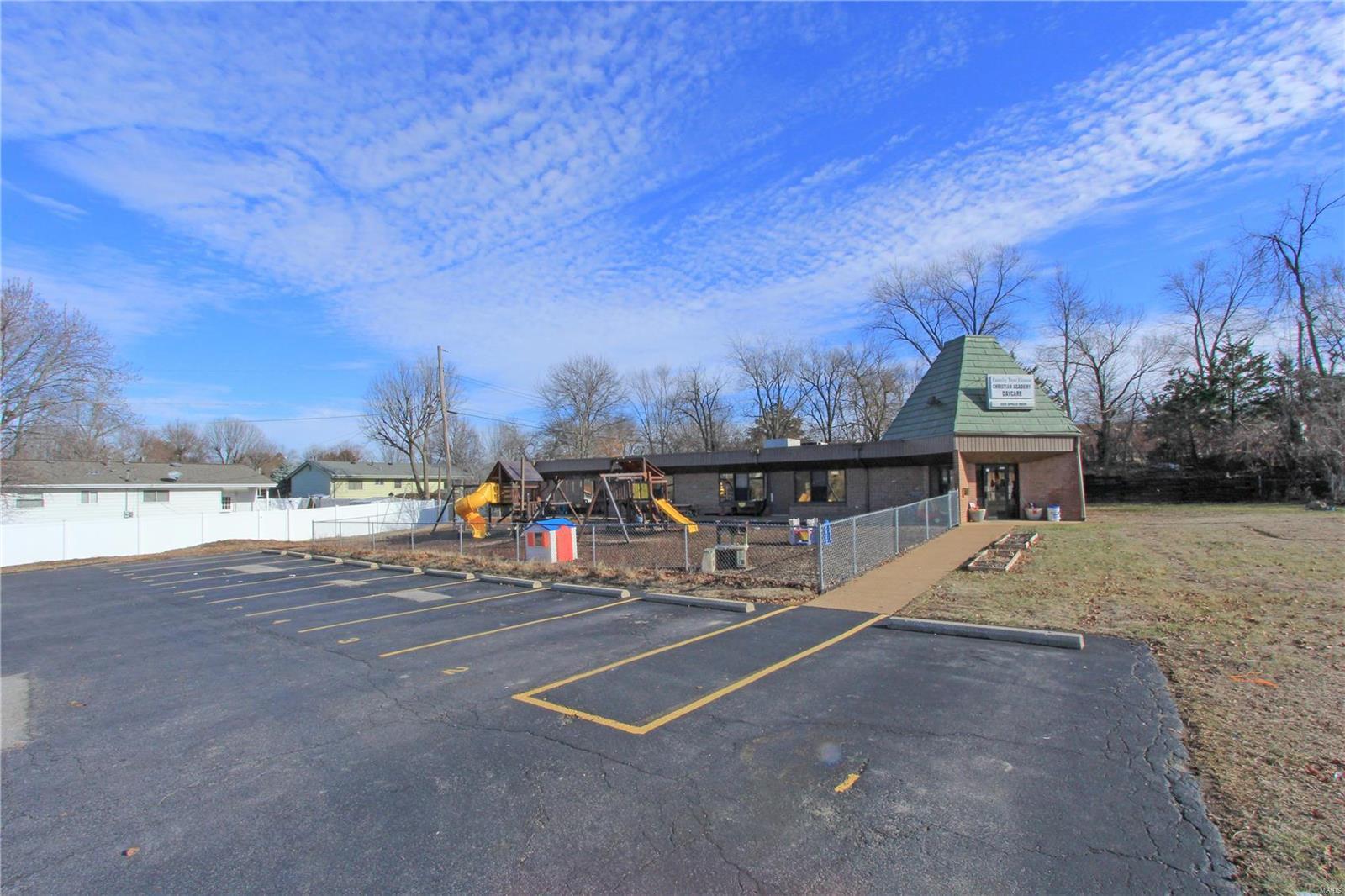 2225 Apollo Property Photo - Fenton, MO real estate listing