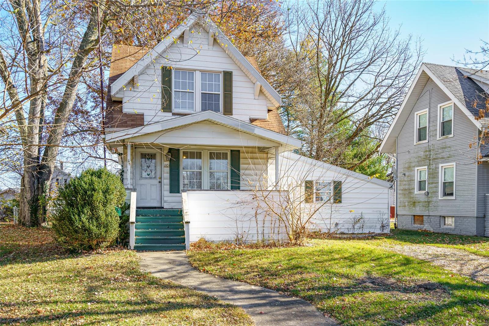 1107 N Johnson Street Property Photo - Carlinville, IL real estate listing