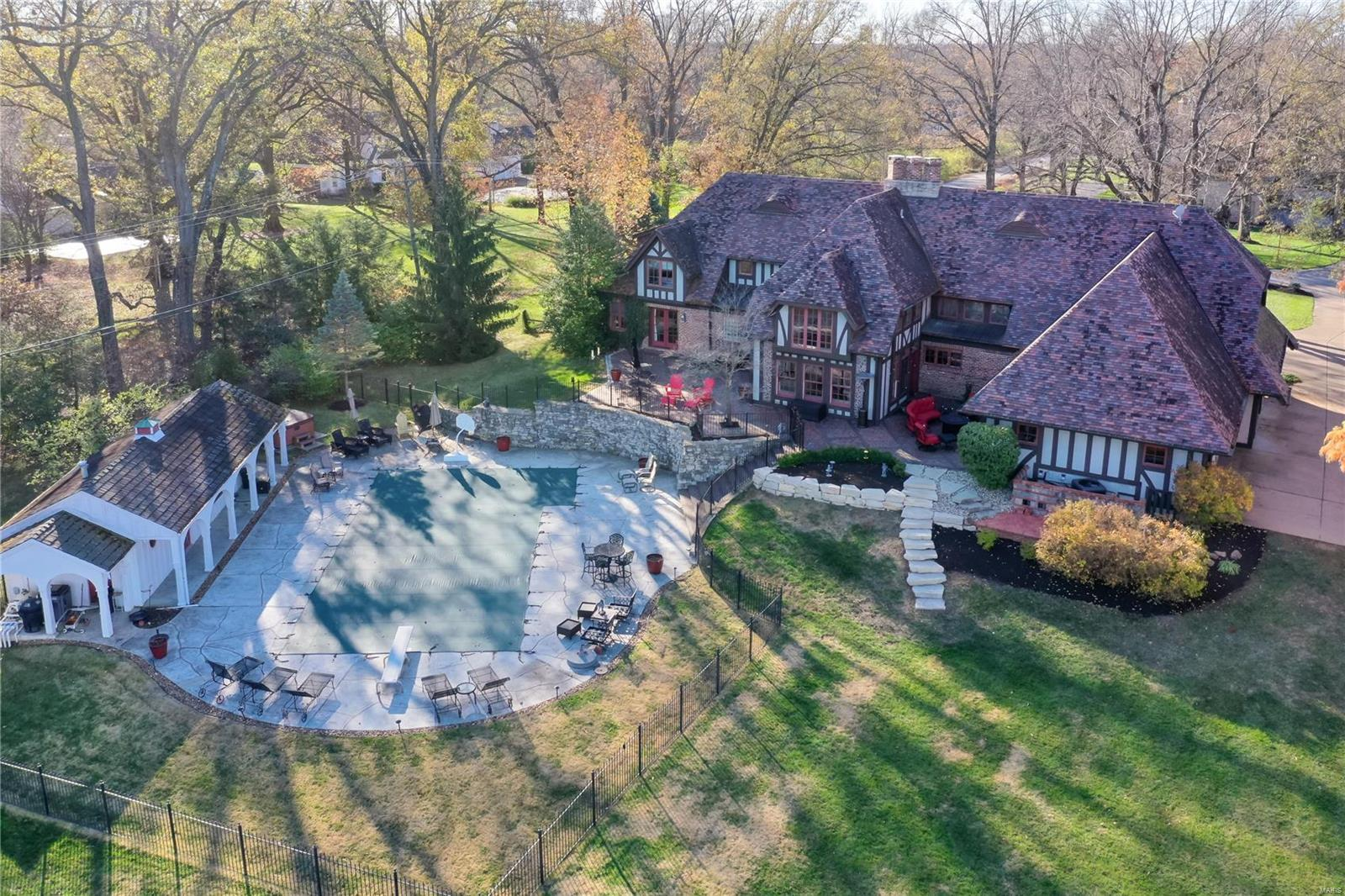 15 Chipper Road Property Photo - Frontenac, MO real estate listing