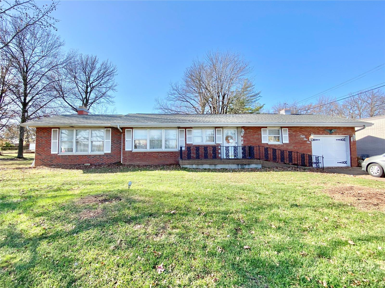 5510 Purvis Property Photo - Godfrey, IL real estate listing