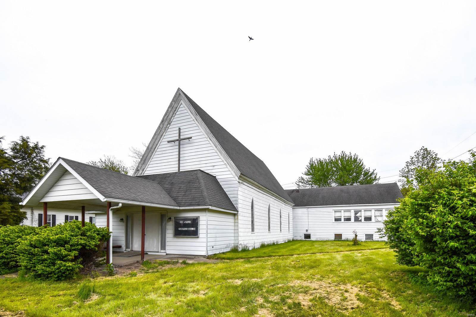206 W Spruce Street Property Photo - Gillespie, IL real estate listing